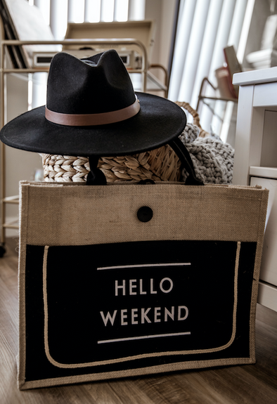 HELLO WEEKEND HESSIAN TOTE - BLACK