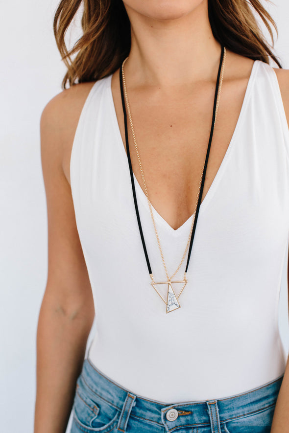 ZOE WHITE MARBLE PENDANT NECKLACE