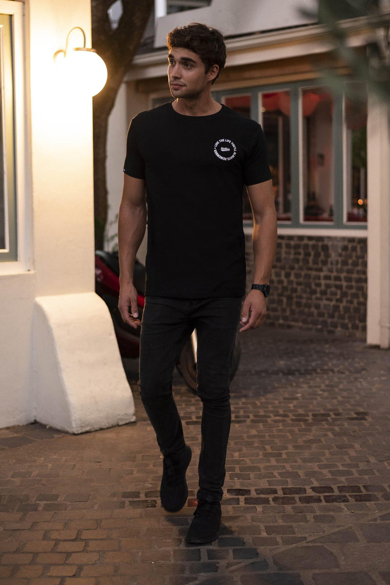 The 90's Tee in Classic Solid Black