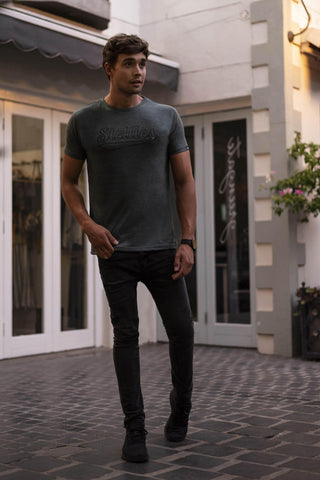 Hero V-Neck in Black with Silver