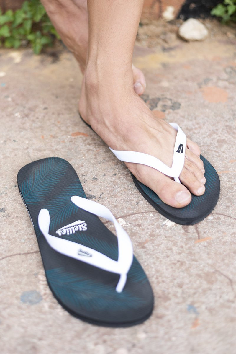Tropical Leaves Flip-Flops