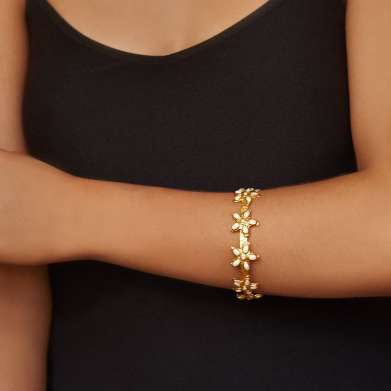 Arista Bangle - 24k Gold - Pearl - Angelina Alvarez