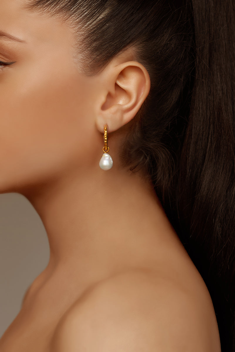Ava Mini Earrings - Angelina Alvarez