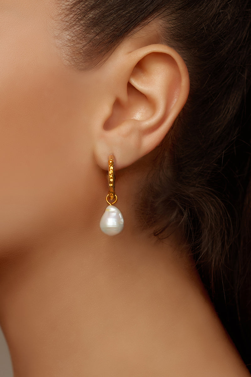 Ava Mini Earrings - 24k Gold - Baroque Pearl