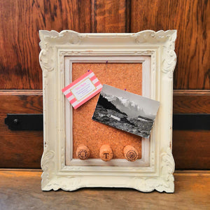 Upcyled mini cork board