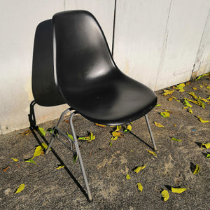 Vitra Plastic Side Chair DSS - Black (6)
