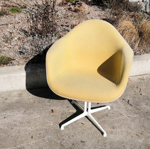 Eames Fibreglass Chairs (x6)