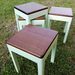 Tabourets/Stools (reserved)