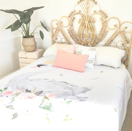 Floral swan double quilt cover