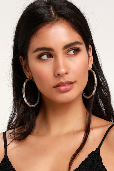 Glory Silver Hammered Hoop Earrings - Lulus