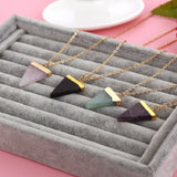 Collier pendentif pierre naturelle triangle ethnic