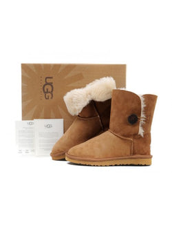 UGG AUSTRALIA Classic short 5803 chestnut Bailey Boutons