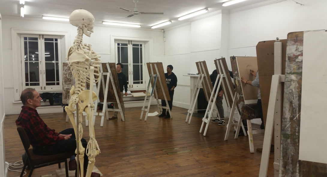 Drawing a live model and the skeleton