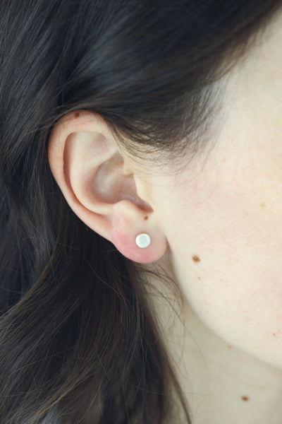 SILVER DOT STUD EARRINGS