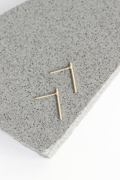 LINE STUD EARRINGS