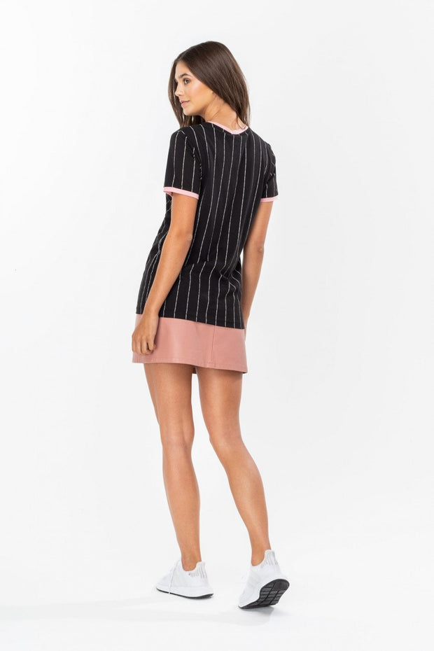 Hype Disney Black Daisy Sport Stripe Women's T-Shirt