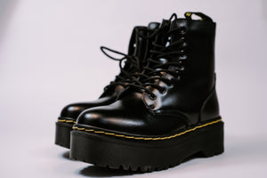 Dr. Martens Winter Platform 2 - Game Over Shop