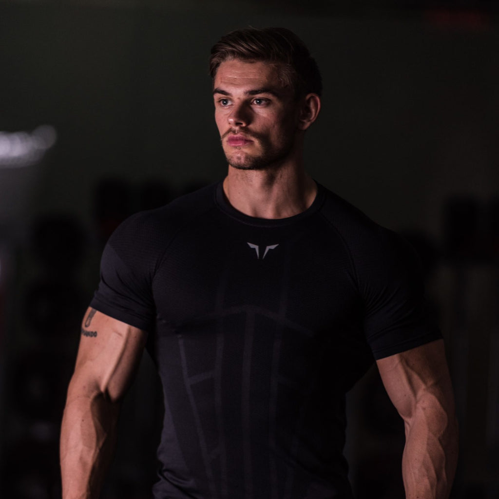 SQUAT WOLF GYM MUSCLE SEAMLESS SPYDER TEE HALF SLEEVE - BLACK
