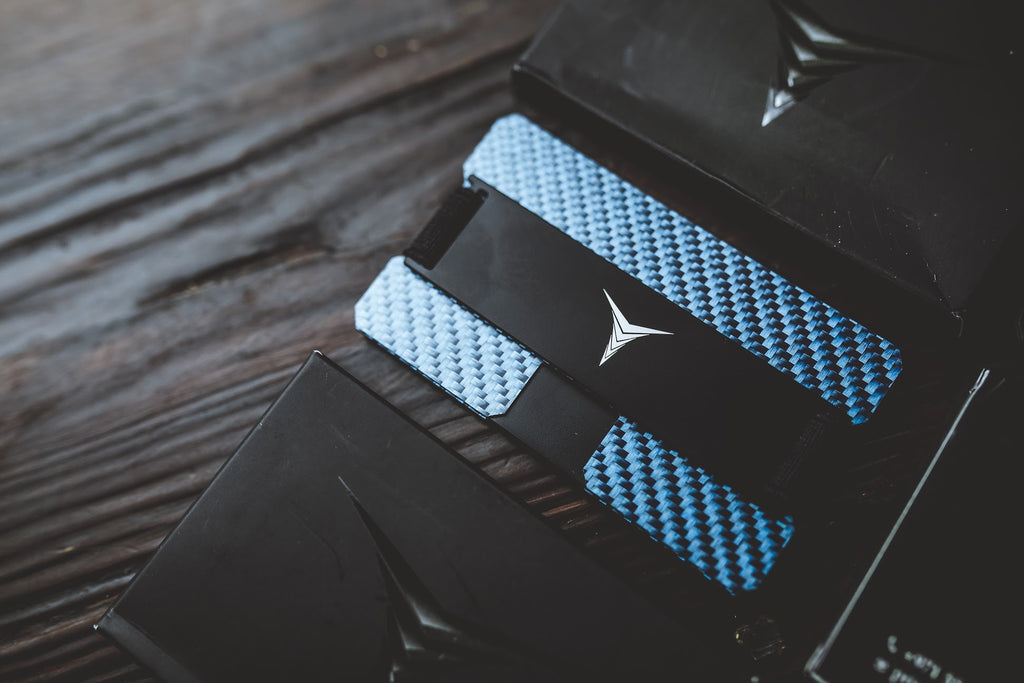 CARBON FIBER CARD HOLDER / WALLET
