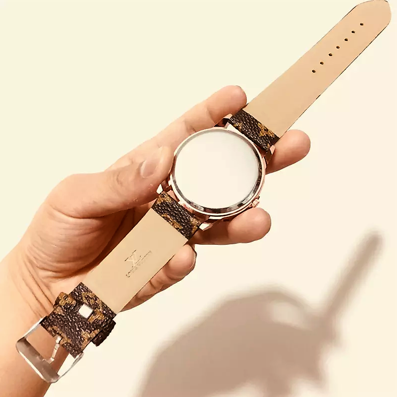 Practical Quartz Watch