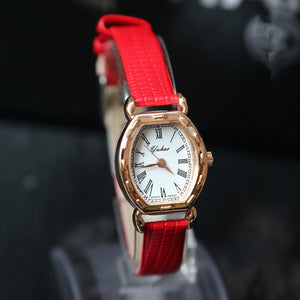 2016 New Ladies Watch small Quartz Bracelet Watch watch belt exquisite non mechanical watches