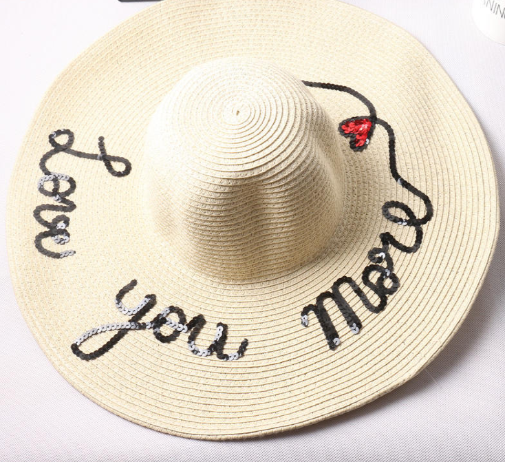 Straw hats for mother daughter