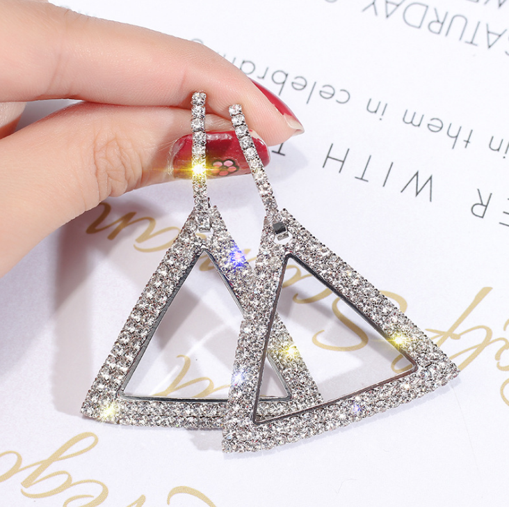 S925 silver needle Korean version of the new fashion with diamond earrings women's diamond geometry circle earrings Europe and the United States simple earrings