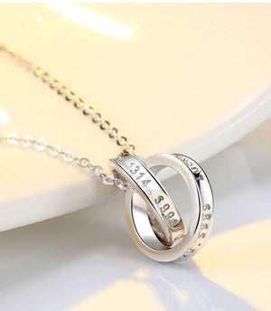 Delicate Interlocked Rings Necklace