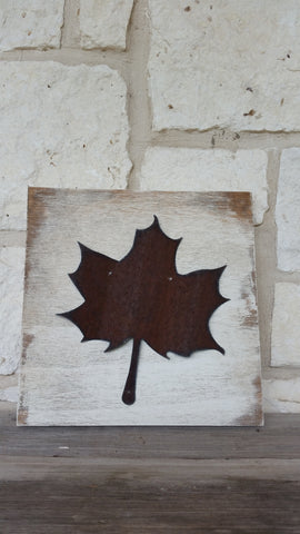 Reclaimed Barn Tin Sign | Leaf