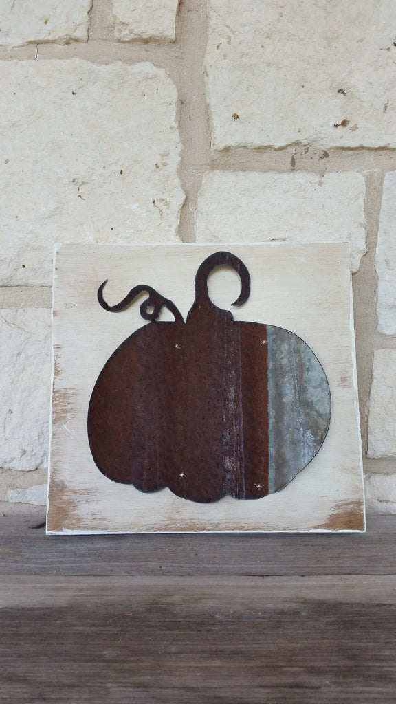 Reclaimed Barn Tin Sign | Pumpkin