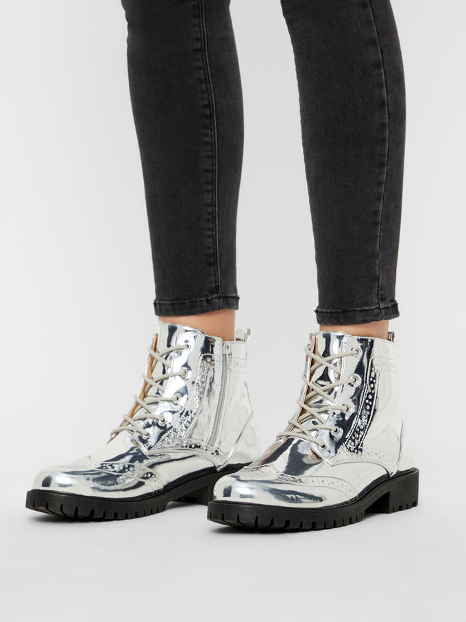 PATENT MILITARY BOOTS SILVER