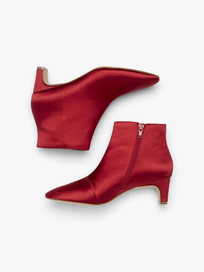 RED SATIN BOOTS CHILI PEPPER
