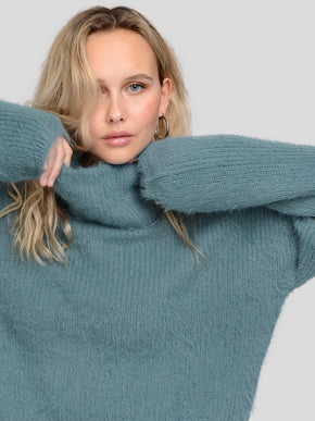 POILU LONG SLEEVE TURTLE NECK SWEATER