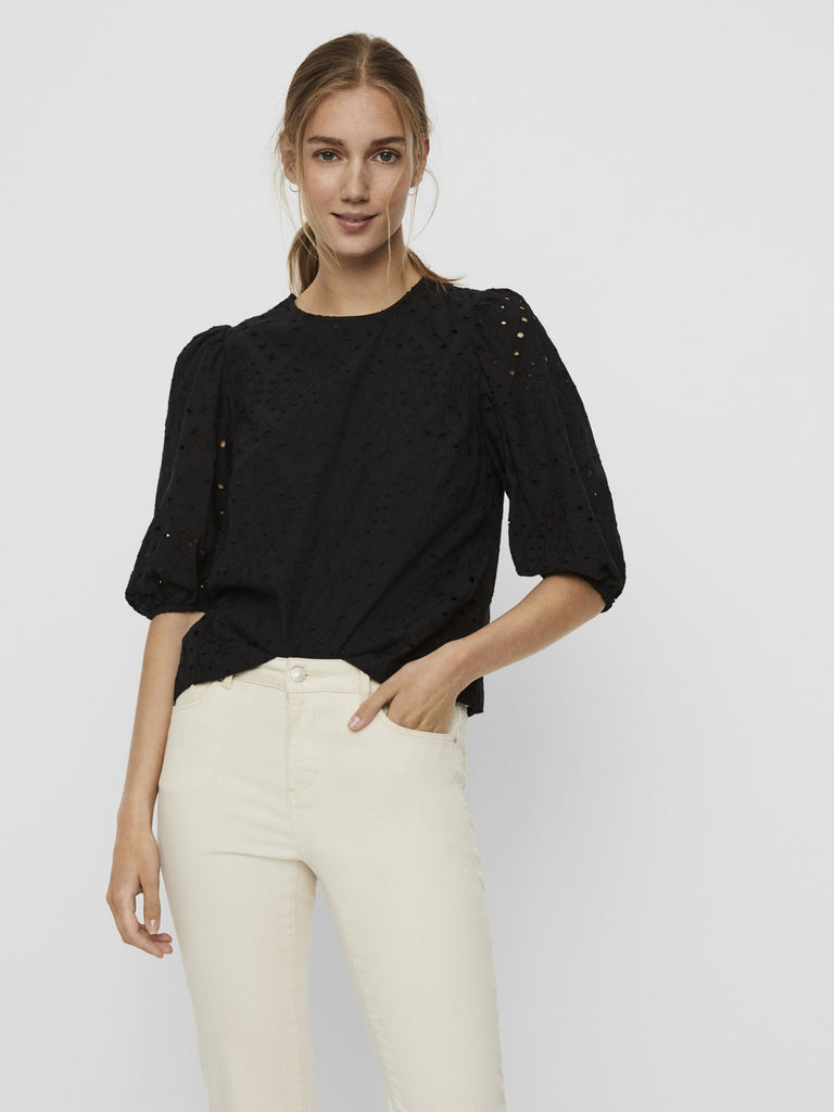 Norah puff sleeves eyelet top