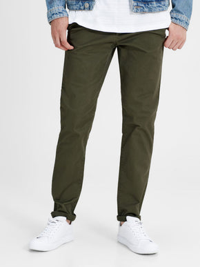 CLASSIC OLIVE CHINO PANTS