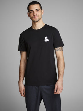 ESSENTIALS CHEST LOGO T-SHIRT