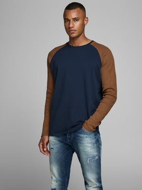 CONTRAST LONG SLEEVE BASEBALL T-SHIRT