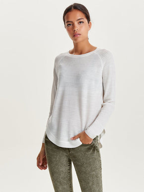 SWEATER WITH A CURVED HEMLINE