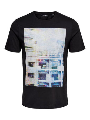 URBAN T-SHIRT WITH HOLOGRAPHIC DETAILS