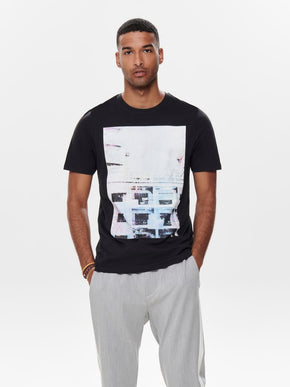 FINAL SALE - URBAN T-SHIRT WITH HOLOGRAPHIC DETAILS
