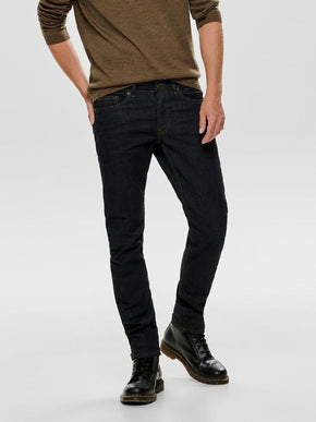 SLIM FIT DARK RINSE JEANS
