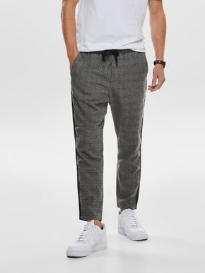 LINUS JOGGER STYLE CROPPED PANTS