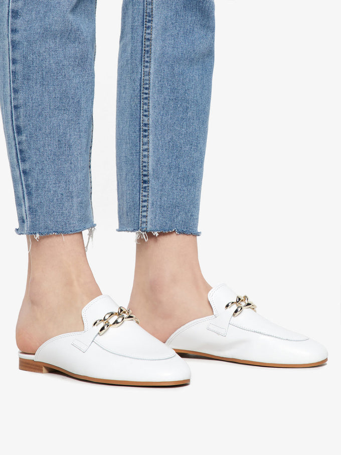 LEATHER LOAFERS WITH CHAIN WHITE