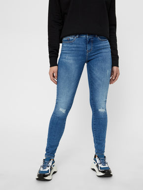 NMLUCY NORMAL WAIST SKINNY FIT JEANS WITH DISTRESSED DETAILS