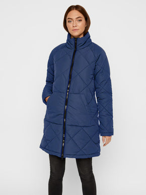 Manteau long bouffant matelassé