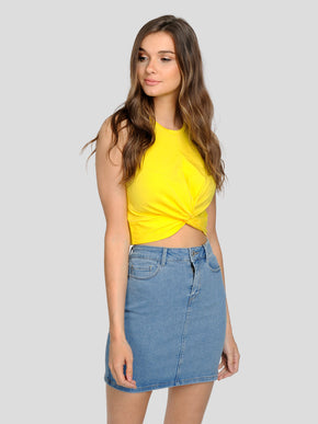CROPPED T-SHIRT WITH A KNOT DETAIL