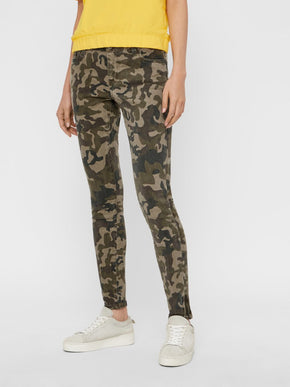 NMLUCY SLIMT FIT CAMO JEANS