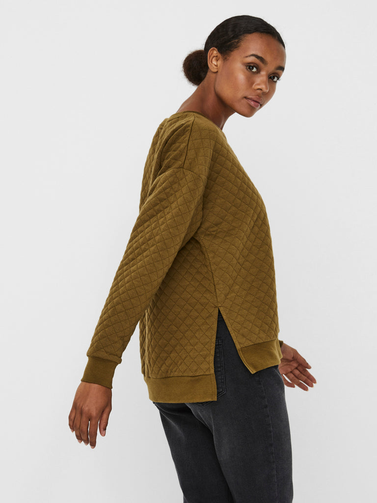 Cayle quilted sweatshirt with slits