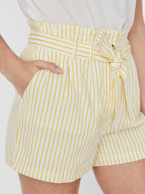 Heli belted striped shorts