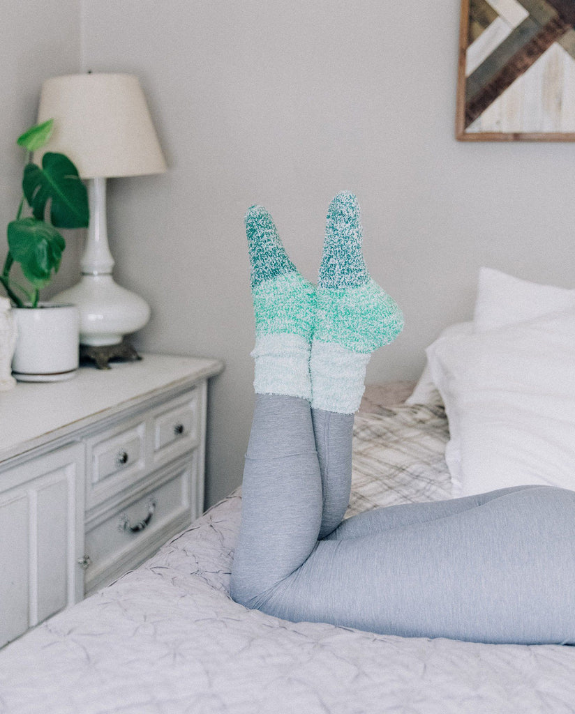 Pointe Studio x FabFitFun Aloe Infused Post Workout Socks